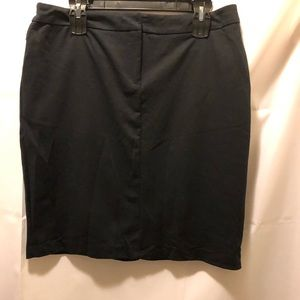 New York and Co black solid pencil skirt size L